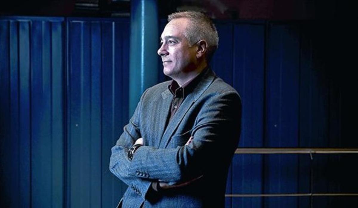 Pere Navarro posa, ayer por la mañana, en la redacción de EL PERIÓDICO.