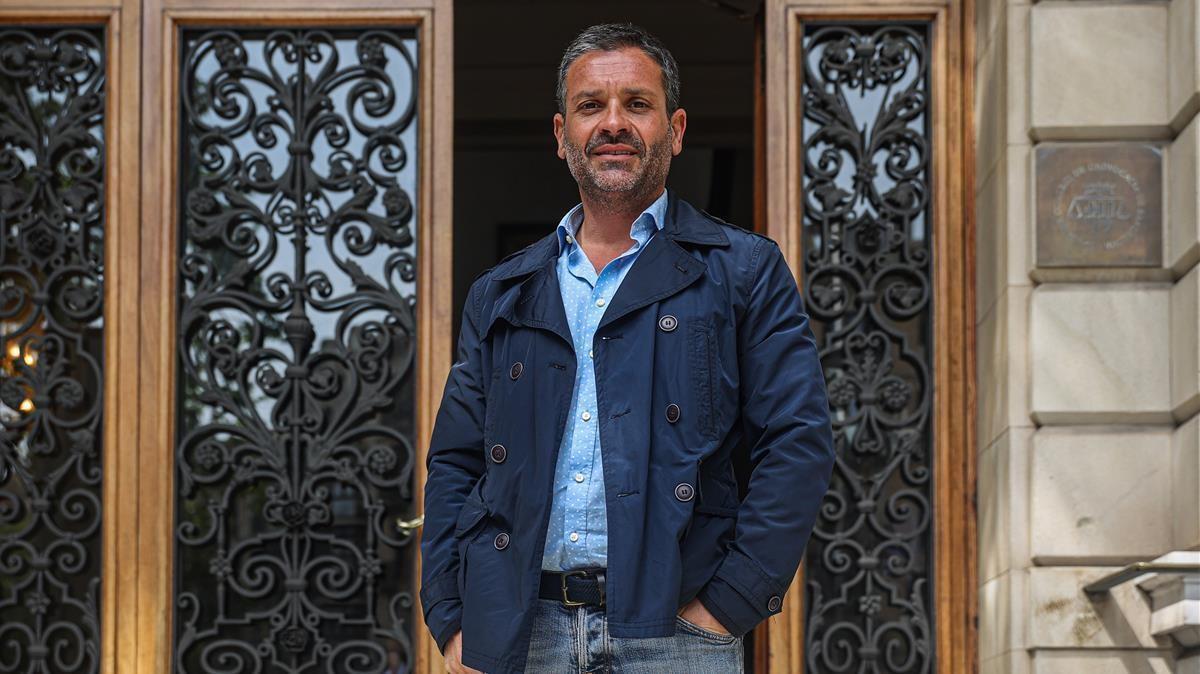 Joan Antonio Serrano, en la puerta del Col.legi de l'Advocacia de Barcelona.AUTORJORDI OTIX