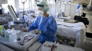 Una uci del edificio Garbí, de Vall d'Hebron, dedicado a pacientes covid.