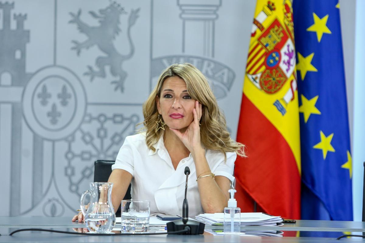 La vicepresidenta tercera y ministra de Trabajo, Yolanda Díaz, en rueda de prensa tras el Consejo de Ministros