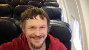Skirmantas Strimaitis se hace un 'selfie' en el avión en el que viajó solo