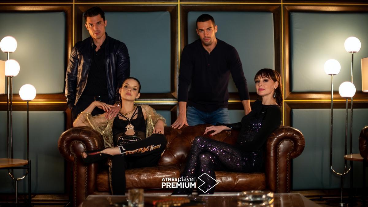 Álex González, María Pedraza, Jesús Mosquera y Cristina Castaño, protagonistas de la segunda temporada de 'Toy boy'.