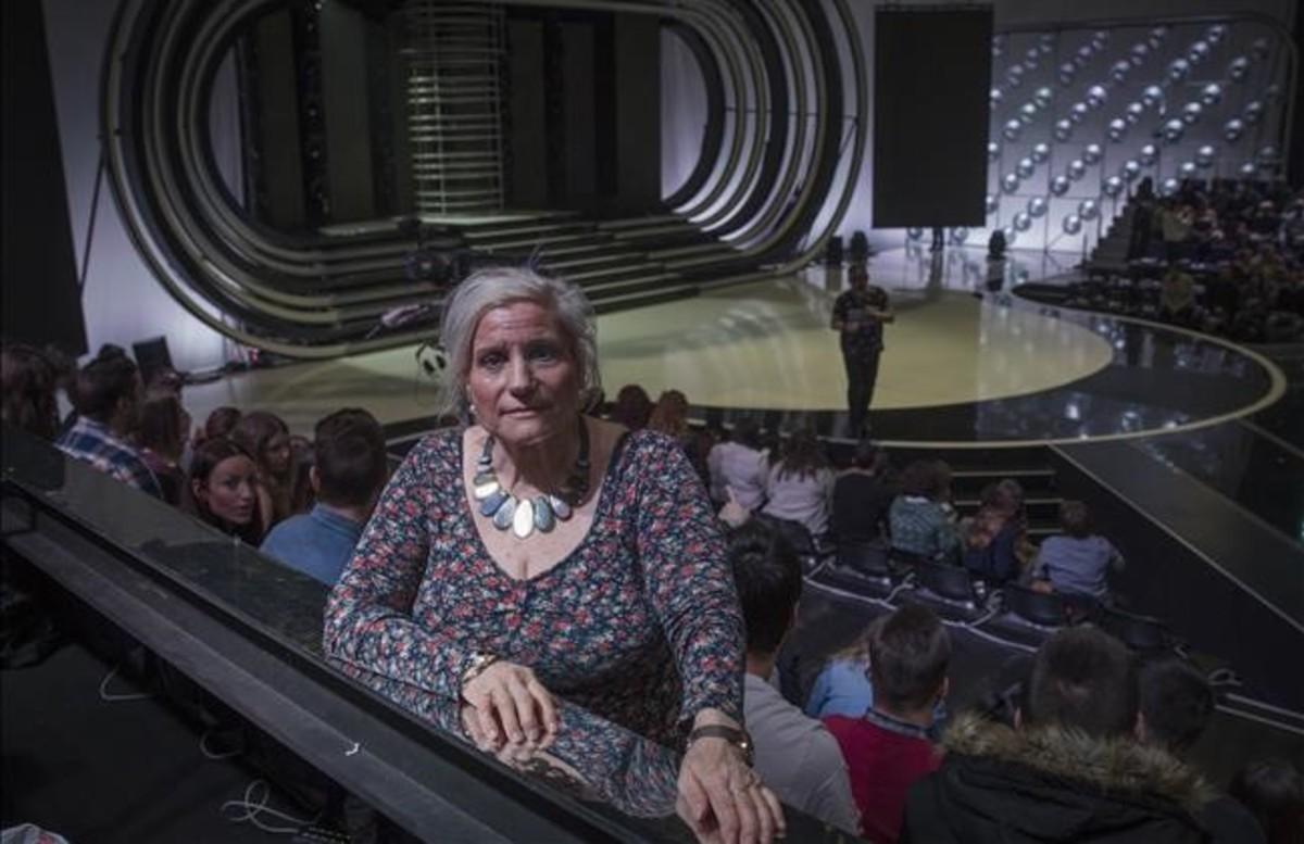 RosaRibalta -todos la conocen como Rosita-,en el plató de 'Tu cara me suena', el pasado martes, cuando se grabó la gala que se emite este viernes. Al fondo, Mateo, el animador de público.