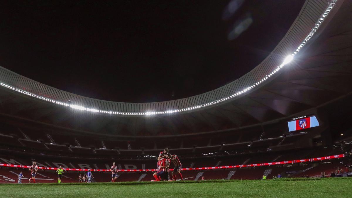 Los jugadores del Atlético celebran un gol ante la Real en el Wanda.
