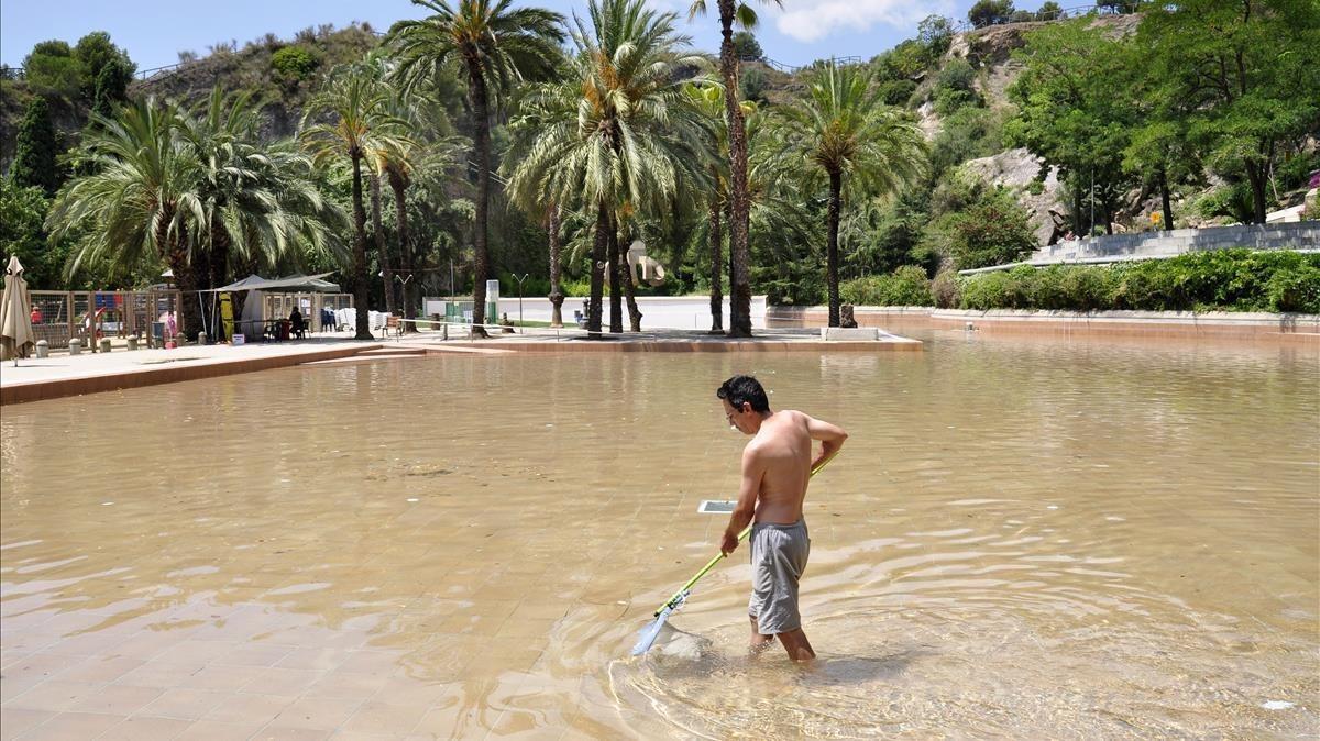 La piscina del Parc de la Creueta no obrirà aquest estiu