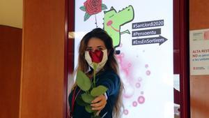 Mercabarna regala 3.000 roses al personal de l'Hospital de Bellvitge en agraïment a la seva tasca
