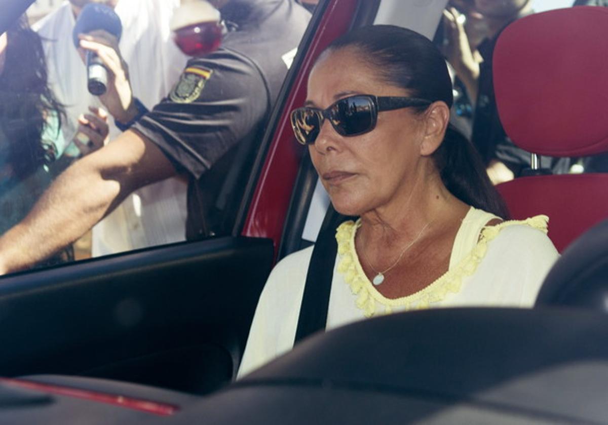 Isabel Pantoja en sus idas y venidas a la cárcel.