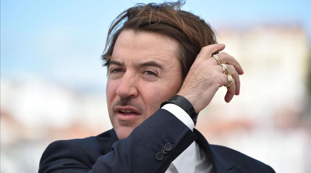 Albert Serra, en la presentación de 'La mort de Louis XIV' en Cannes.