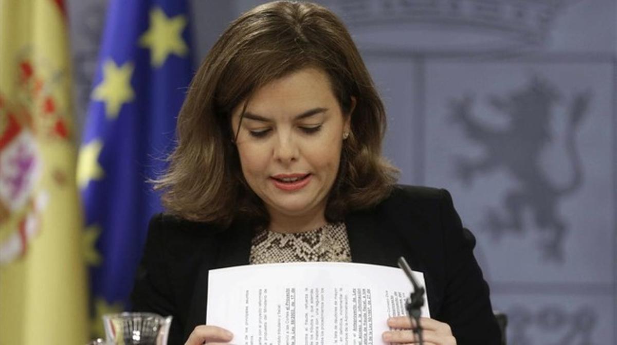 La vicepresidenta del Gobierno, Soraya Sáenz de Santamaría, en rueda de prensa tras un Consejo de Ministros.