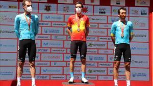 Pello Bilbao, en el centro, con Luis Léon Sánchez a la izquierda, y Gorka Izagirre.