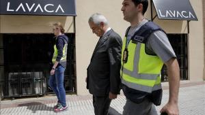 Luis Pineda, presidente de Ausbanc, tras su detención por la Guardia Civil.