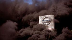 Nissan cierra sus fábricas en Catalunya y sus trabajadores inician protestas.