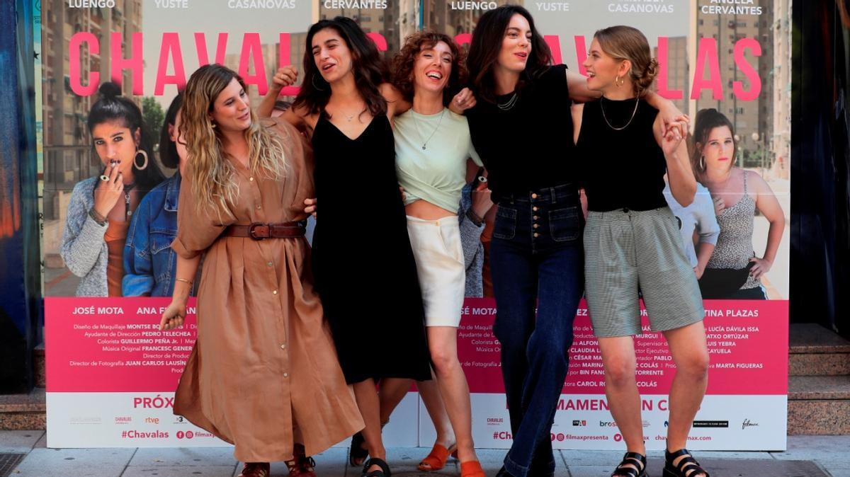 Carol Rodríguez Colás (centro), con las cuatro actrices de la película.