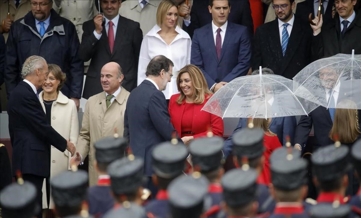 Mariano Rajoy y Susana Díaz, en el desfile militar del 12-O.