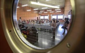 Estudiantes valencianos durante una prueba de selectividad, este miércoles.Un total de 20 250 estudiantes se presentan a las pruebas de acceso a la Universidad en la Comunitat Valenciana en su convocatoria ordinaria.