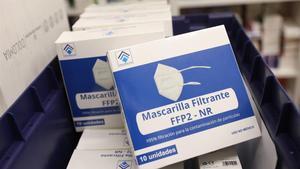 Cajas de mascarillas FFP2 en una farmacia de Madrid, en febrero pasado.