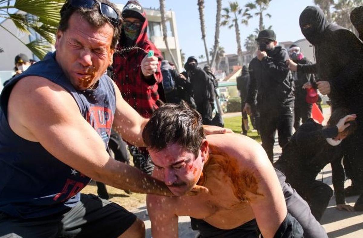 Imagen de los enfrentamientos en San Diego, California.