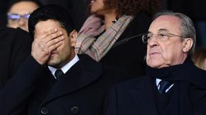 Al-Khelaifi se lamenta del último fracaso de su millonario equipo. Al lado, Florentino Pérez.
