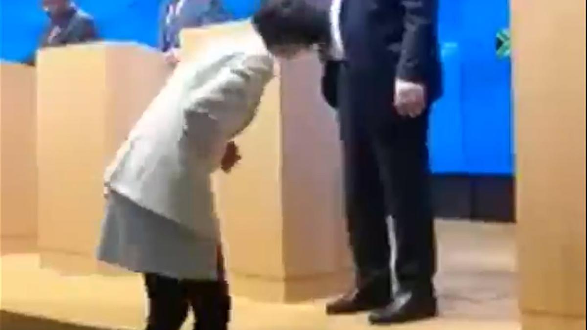 El lío con los zapatos de Juncker.