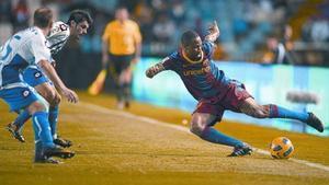 Keita evita que el balón salga fuera, el pasado sábado en el estadio de Riazor.