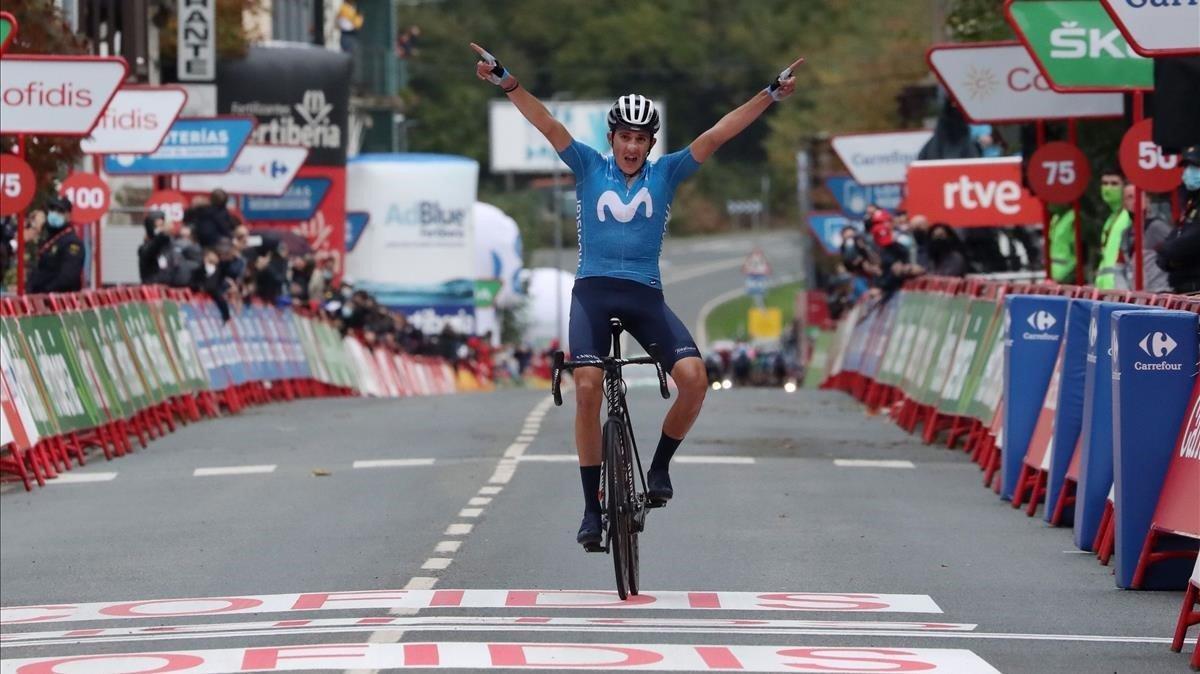 Marc Soler entra vencedor en la meta de Lekunberri.