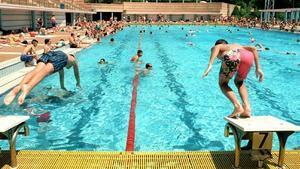 Madrid es prepara per a un estiu atípic amb l'obertura de les piscines en suspens