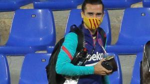 Antoine Griezmann, a su llegada al estadio de El Alcoraz, donde Koeman lo relegó a la suplencia
