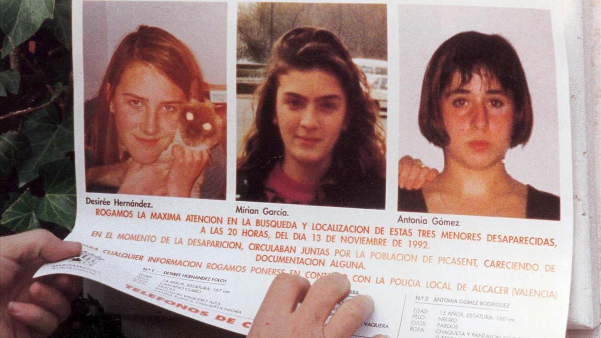 Cartel de Desirée, Miriam y Toñi, que se distribuyó por todo el levante español cuando desaparecieron las tres adolescentes, a finales de 1993.