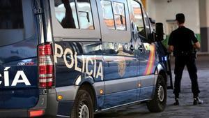 Desmantellen un clan familiar de falsificació de roba i complements a Catalunya