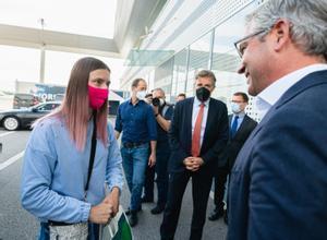 Tsimanouskaya en su llegada a Varsovia.