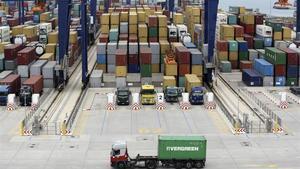 Terminal de contenedores del Port de Barcelona.