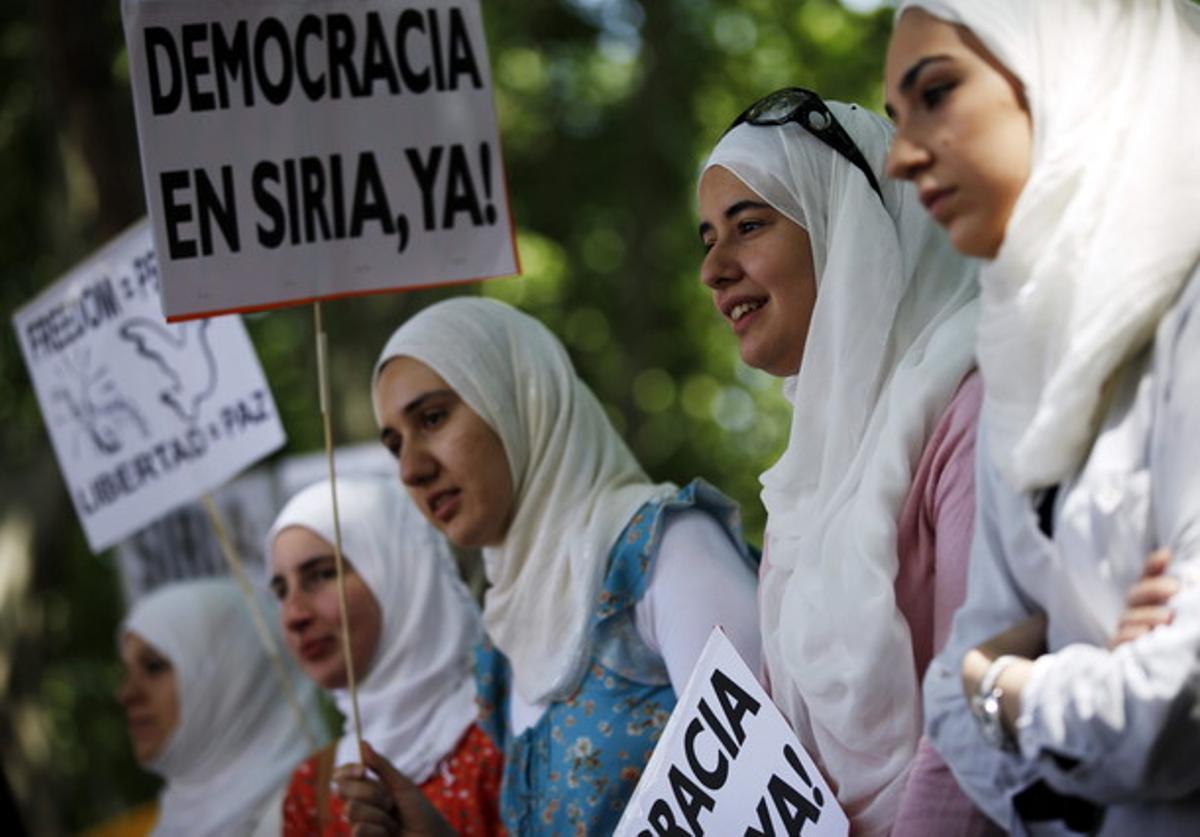 Concentración frente a la embajada siria en Madrid el pasado sábado.