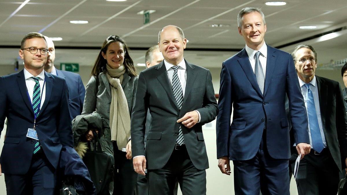 Tibia acogida al plan de presupuesto franco-alemán para la eurozona