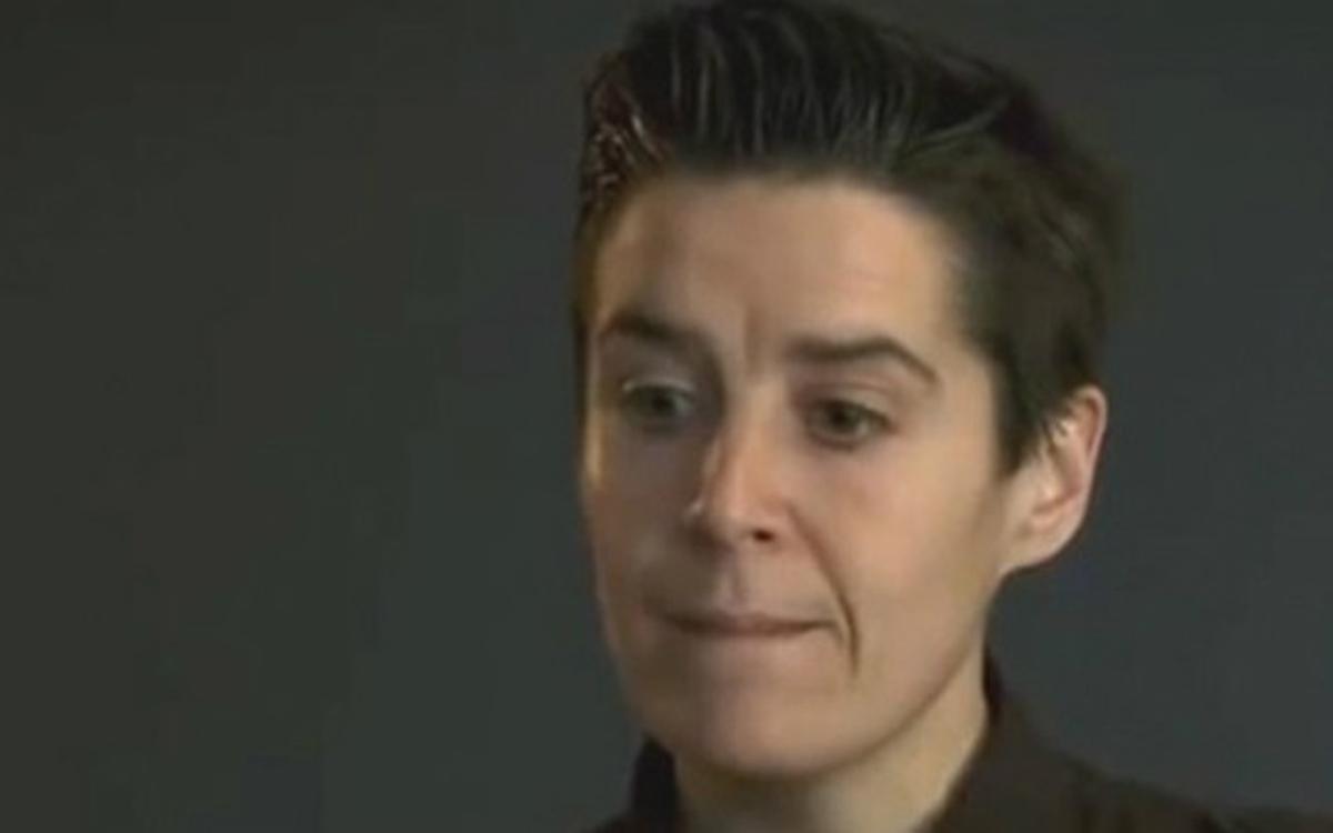 La abogada Sílvia Villullas denuncia que la han despedido por salir en el documental 'Ciutat morta'.