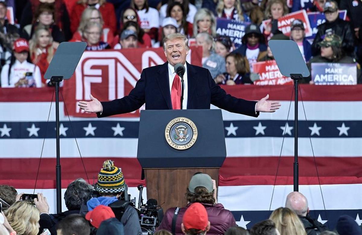 Trump, durante un instante de su mitin en Georgia.