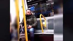 La Policía detiene al racista que insultó a una mujer en el metro de Madrid