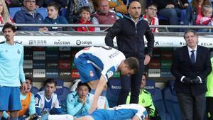 Abelardo sigue con tensión el Espanyol-Atlético.
