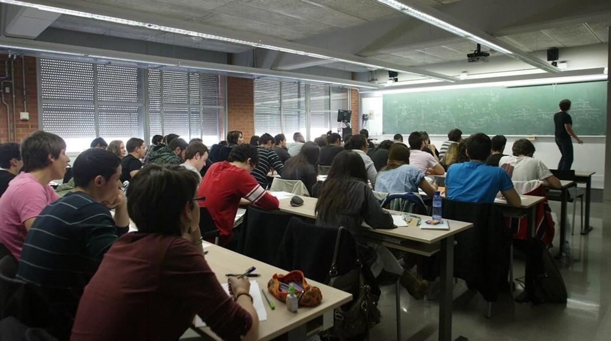 Una clase en una universidad catalana.