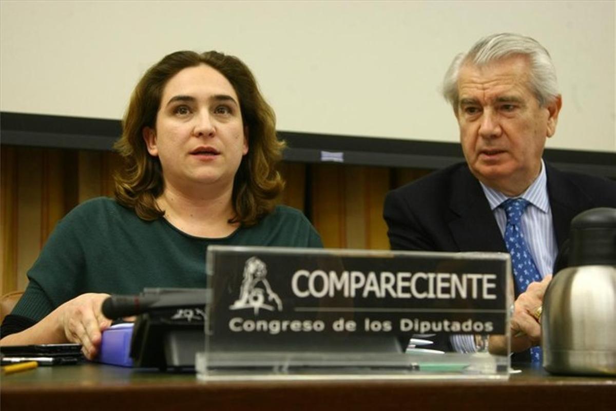 Ada Colau, durante su intervención en el Congreso. AGUSTÍN CATALÁN