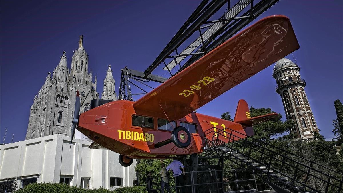 El parque del Tibidabo, con el tradicional avión.