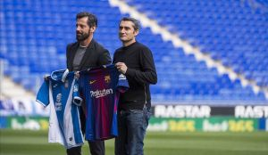 Quique Sánchez Flores y Ernesto Valverde, en el último encuentro de los entrenadores antes del último derbi.