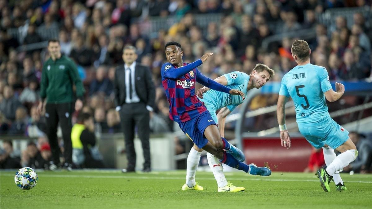 Ansu Fati, en el duelo con el Slavia de Praga en el Camp Nou.