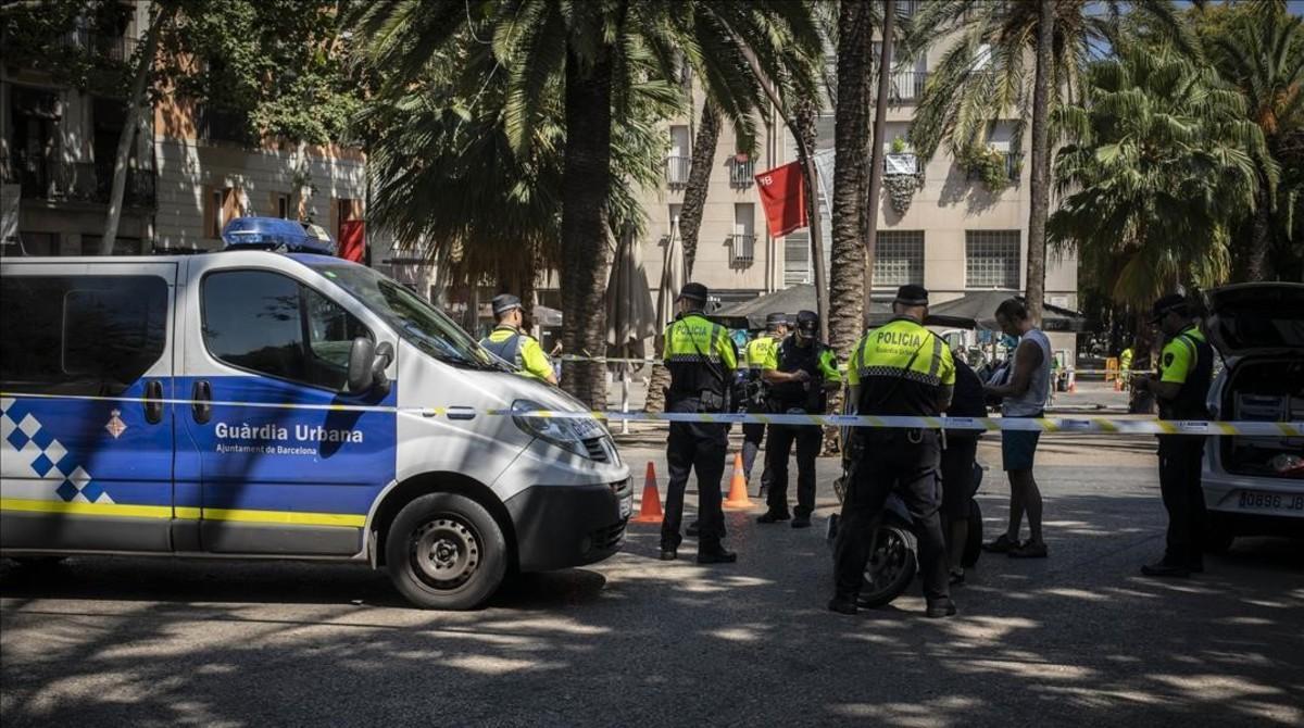 Una patrulla de la Guardia Urbana de Barcelona en una imagen de archivo.