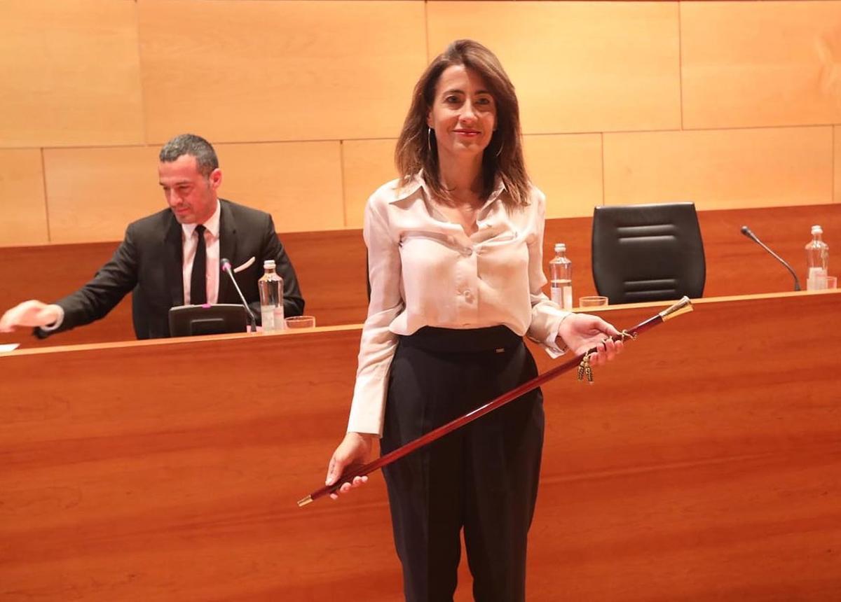 Raquel Sánchez con la vara de alcaldesa