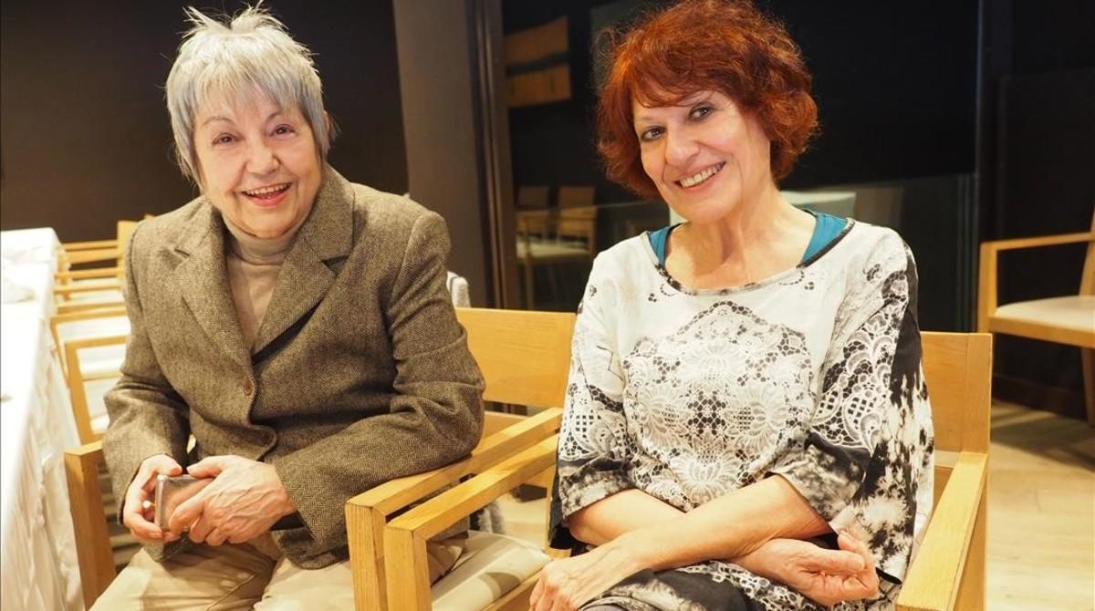 Las cantantes Elisa Serna y Julia León.