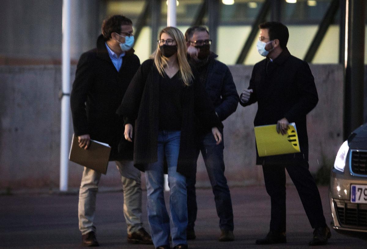 Negociadores de Junts y ERC en la cárcel de Lledoners.