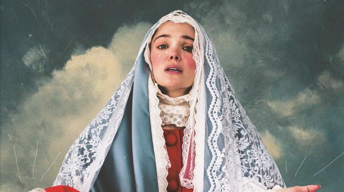 Ana Rujas, actriz y coautora de 'La mujer más fea del mundo', en el cartel de la obraposando como una virgen.
