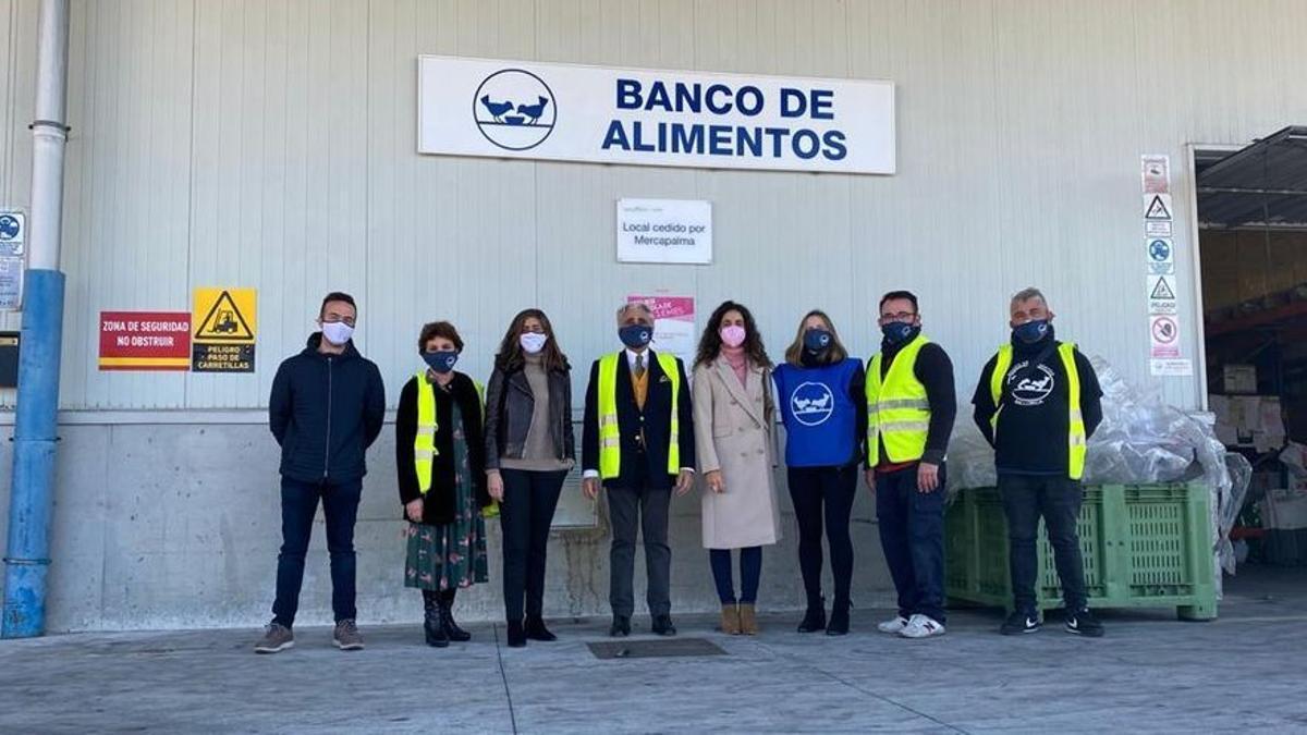 Acto de entrega de la Fundación Rafa Nadal al Banco de Alimentos de Mallorca.