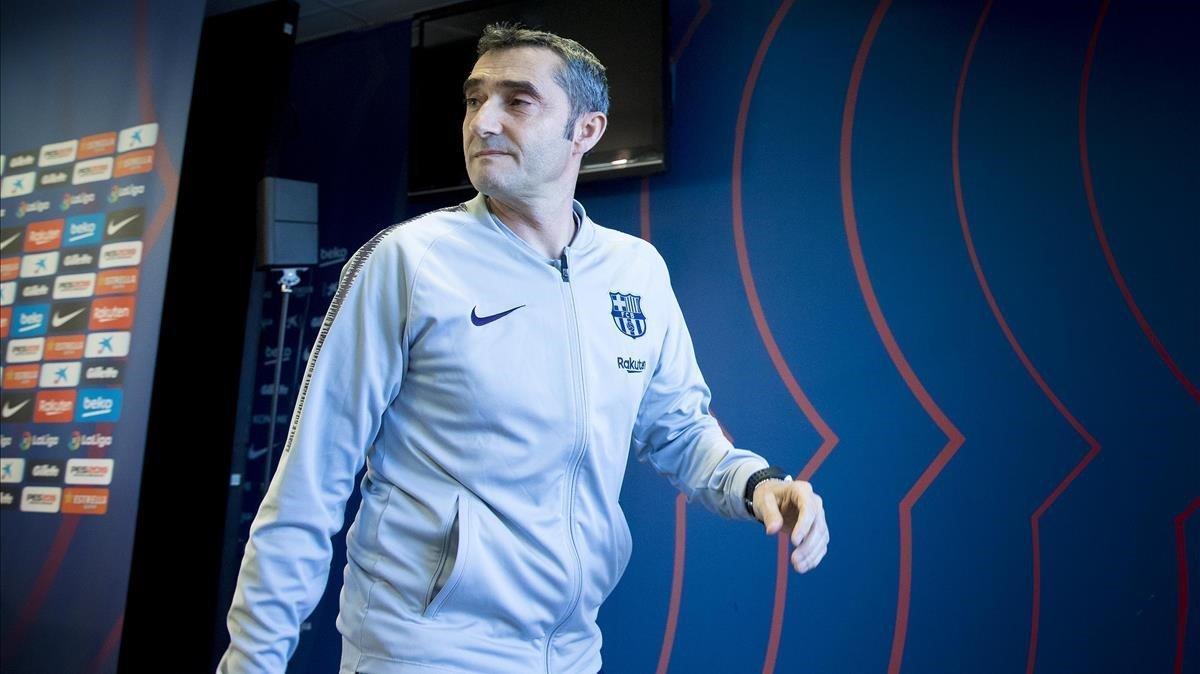 Valverde abandona la sala de prensa de Sant Joan Despí.