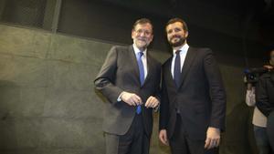 Mariano Rajoy y Pablo Casado, en diciembre de 2019.